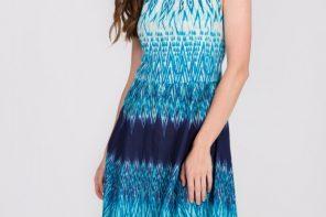 Zwiewne sukienki na lato – dla dojrzałych pań