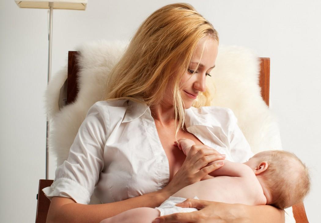 magazynkobiet.pl - karmienie piersia 1050x730 - Przerwa w pracy na karmienie piersią
