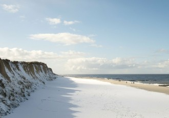 magazynkobiet.pl - morze 330x230 - Wypoczynek nad wodą zimą - wszystko, co musisz wiedzieć