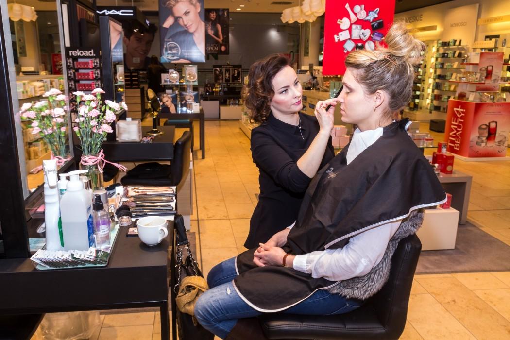 magazynkobiet.pl - IMG 0180 1050x700 - Strobing - wiosenny hit w makijażu
