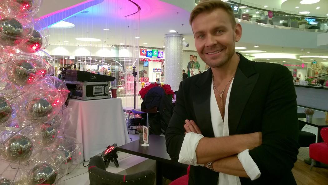 magazynkobiet.pl - WP 20151127 006 1050x591 - Moda jest zabawą – rozmowa z Dawidem Wolińskim