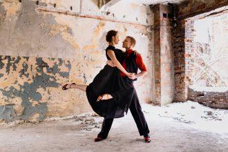 magazynkobiet.pl - sesja Sensatiano 02 330x220 - Dlaczego warto tańczyć i jak zacząć?