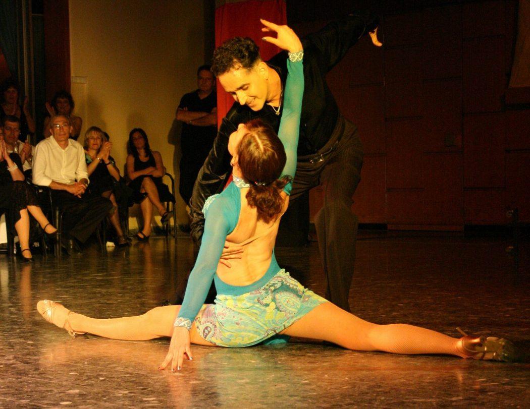 magazynkobiet.pl - latin 929823 1280 1050x811 - Dlaczego warto tańczyć salsę?