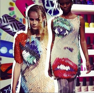 magazynkobiet.pl - seventeen1 330x327 - Osobliwości mody: sukienka ze sztucznych paznokci