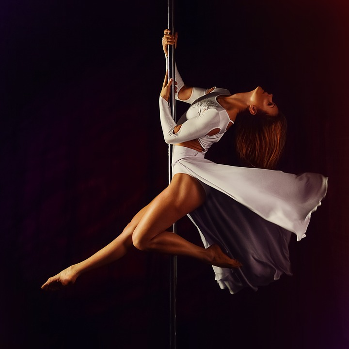 magazynkobiet.pl - pylon 1287823 960 720 - Pole dance – wszechstronna aktywność dla każdego