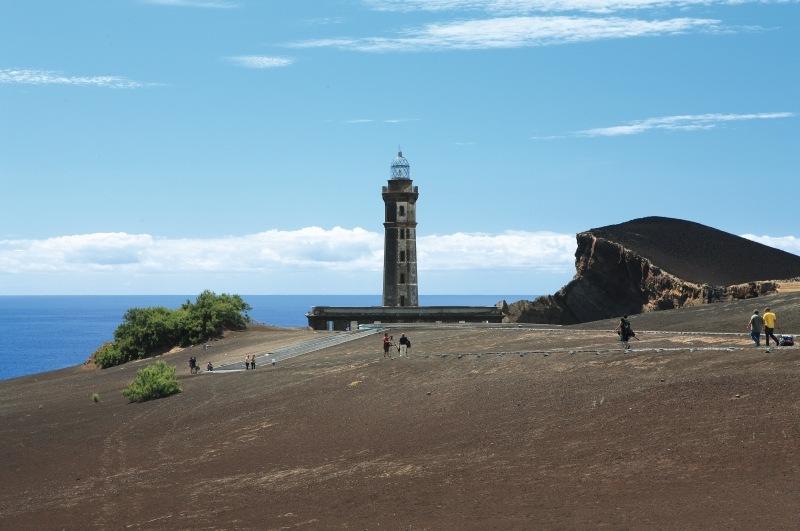 magazynkobiet.pl - Capelinhos Volcano 2 Faial Azores fot Gustav sm web - Portugalia – 8 muzeów, które musisz odwiedzić