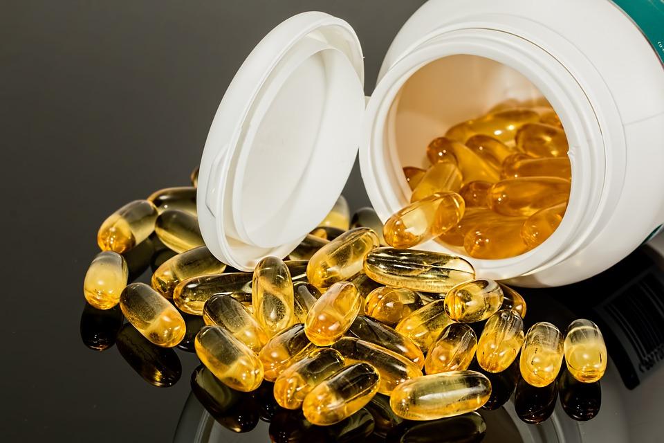 magazynkobiet.pl - capsule 1079838 960 720 - Jak wybrać odpowiedni suplement diety lub kosmetyk?