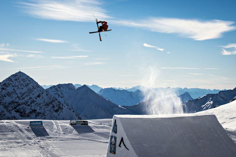 magazynkobiet.pl - Stubai Prime Park Sessions Rider Kai Mahler 14 photo 03 fot Stubai Glacier Pally Learmond sm - Wyjątkowe połączenie sztuki i sportu w Dolinie Stubai