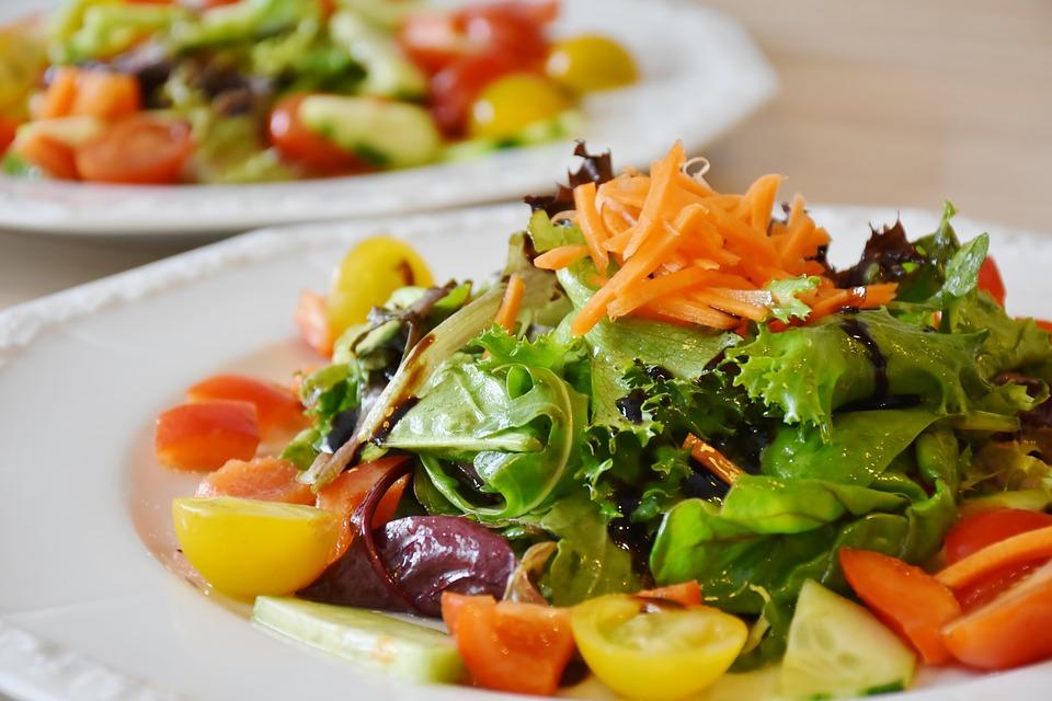 magazynkobiet.pl - salad 1603608 960 720 - Fakt – diety tuczą!