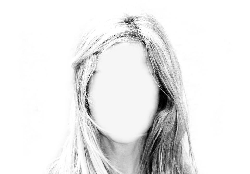 magazynkobiet.pl - woman 565127 960 720 - Alternatywne sposoby samopoznania. Po co odkrywać siebie?