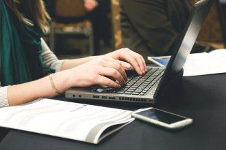 jak pisać email