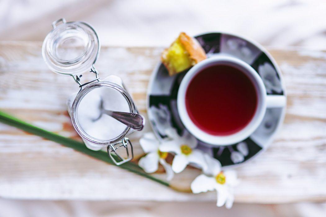 magazynkobiet.pl - food tea sugar sweets 1050x700 - Fakt – słodziki są szkodliwe