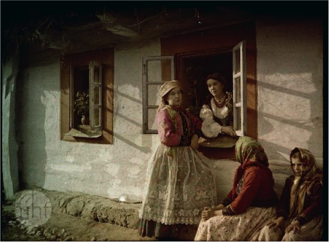 magazynkobiet.pl - 04 - Damy od autochromu. Rozmowa z Soizic Audouard i Elizabeth Nora