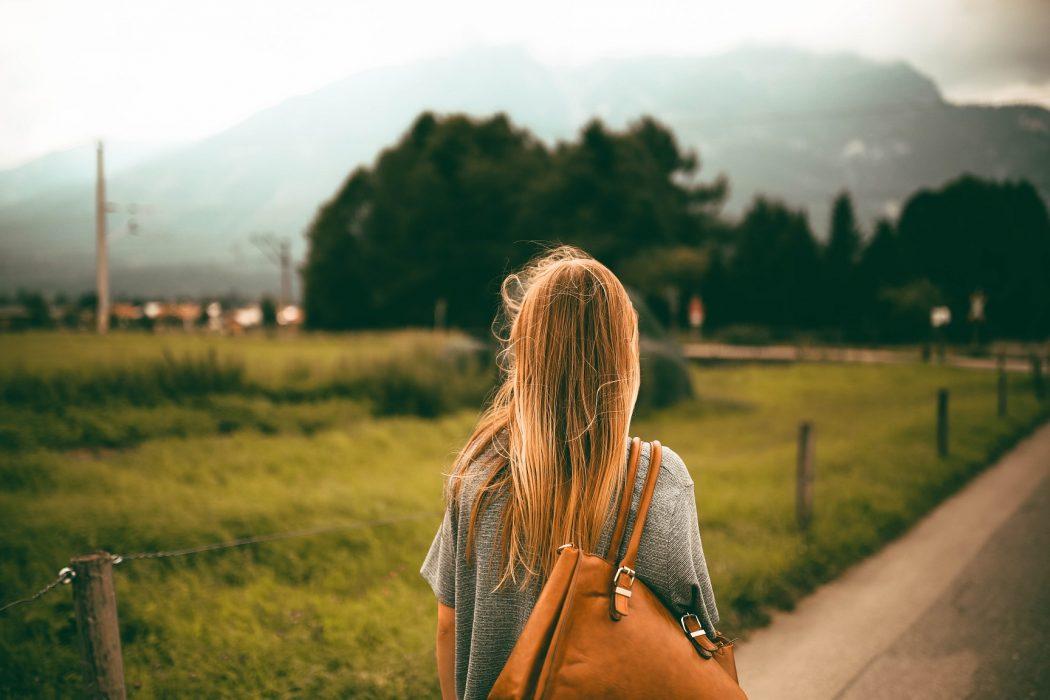 magazynkobiet.pl - pexels photo 547557 1050x700 - Kobieta w podróży
