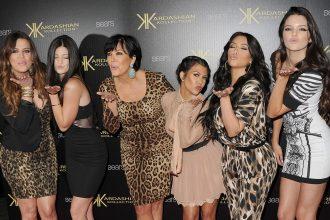 magazynkobiet.pl - personal space kardashians 330x220 - Nadążyć za Kardashianami