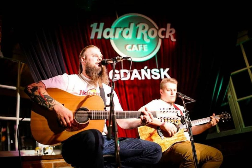 magazynkobiet.pl - DUO 1050x700 - DuoAcoustic w Hard Rock Cafe Gdańsk