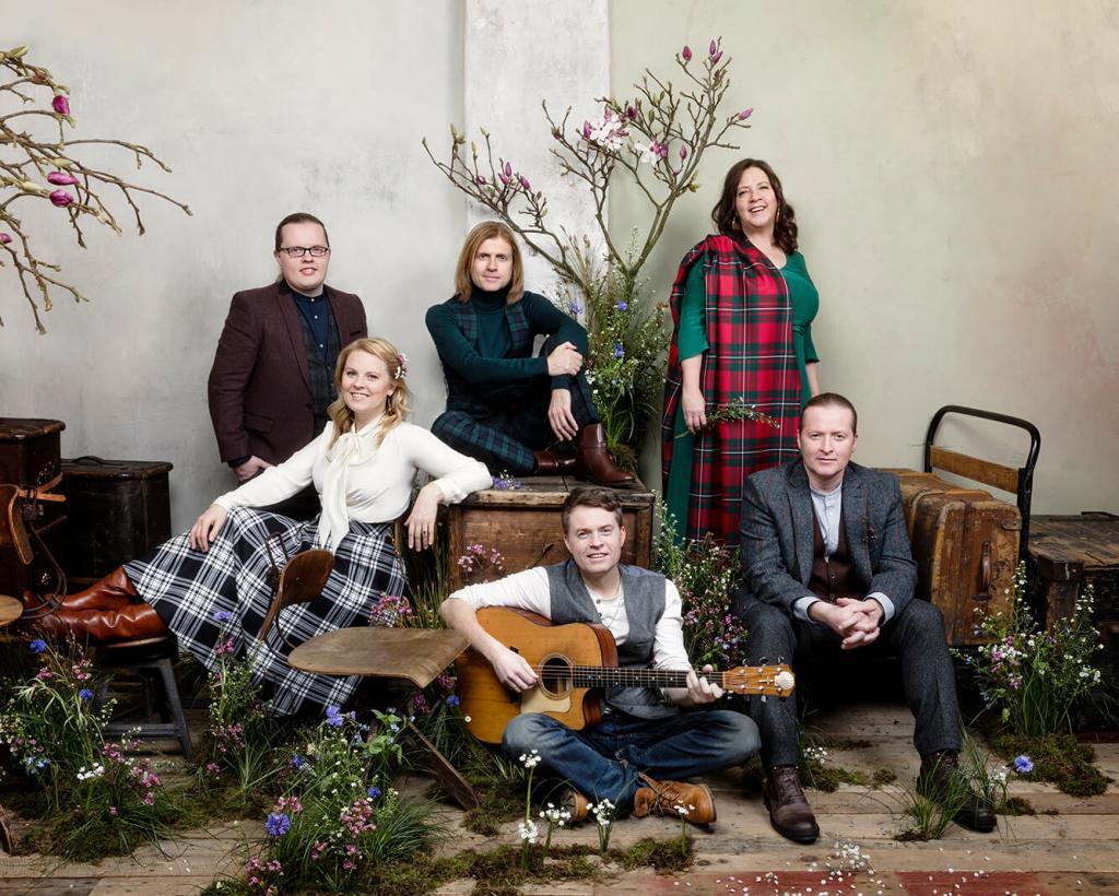 magazynkobiet.pl - male o 01 Pressefoto TheKellyFamily WeGotLove Live2017 HelenSobiralski 1024x820 - The Kelly Family zagrają w Gdańsku już 6 kwietnia!