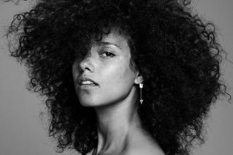 magazynkobiet.pl - alicia keys here zdjęcie okładki płyty 330x220 - Alicia Keys - Moda na sauté
