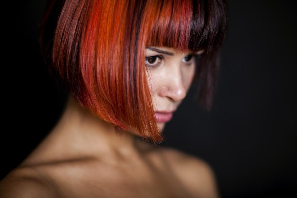magazynkobiet.pl - pixabay womens 2359688 960 720 - Hit 2018! Mulled Wine Hair, czyli grzaniec na głowie