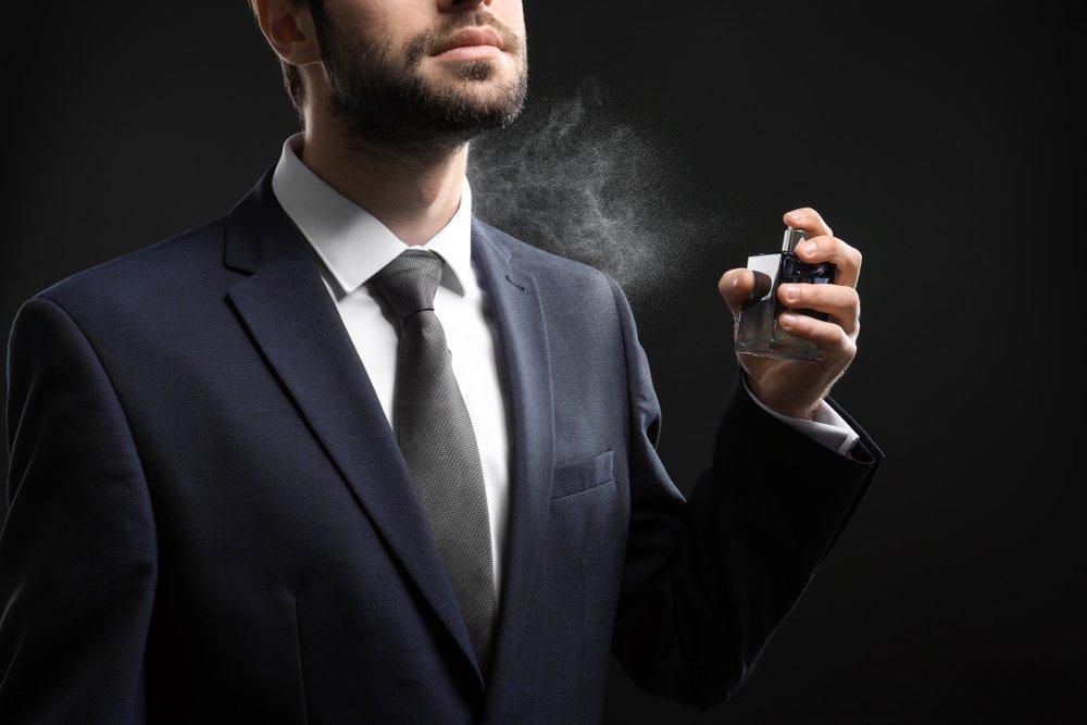 magazynkobiet.pl - jak sie perfumowac1 - Jak się perfumować? Wydobądź z perfum to, co najlepsze