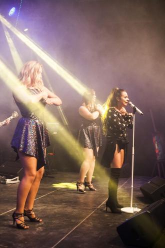 "magazynkobiet.pl - MG 9094 small 330x495 - Tribute Ariany Grande  ""Ariana Today"""
