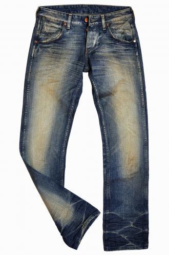 magazynkobiet.pl - jeansy 330x497 - Historia Jeansów