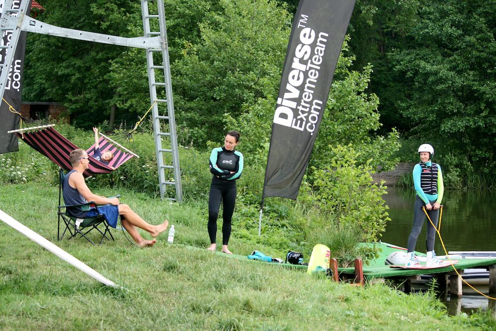 magazynkobiet.pl - fot. Marek Pawlicki 1 - Z wakeboard'em na krawędzi