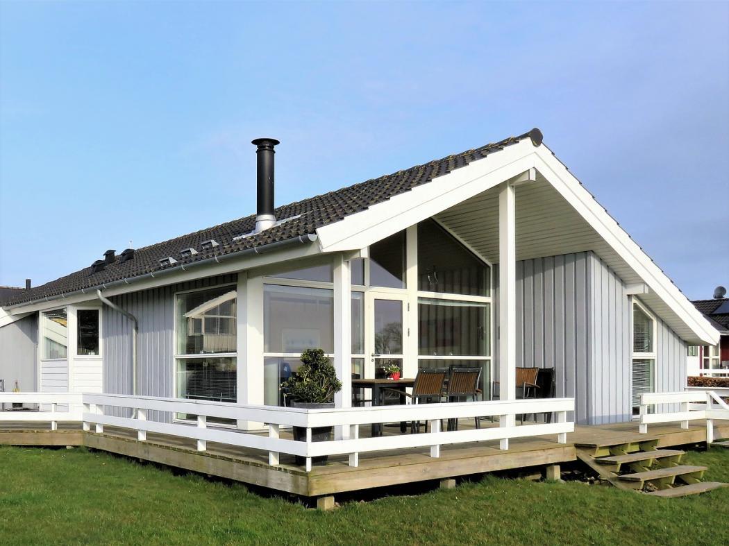 magazynkobiet.pl - holiday house 3322326 1280 1050x787 - Jak urządzić idealny taras?