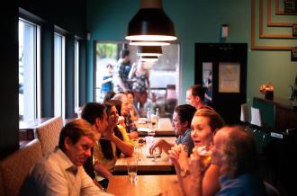 magazynkobiet.pl - restaurant 690975 1280 330x218 - Dla kogo są szybkie randki?
