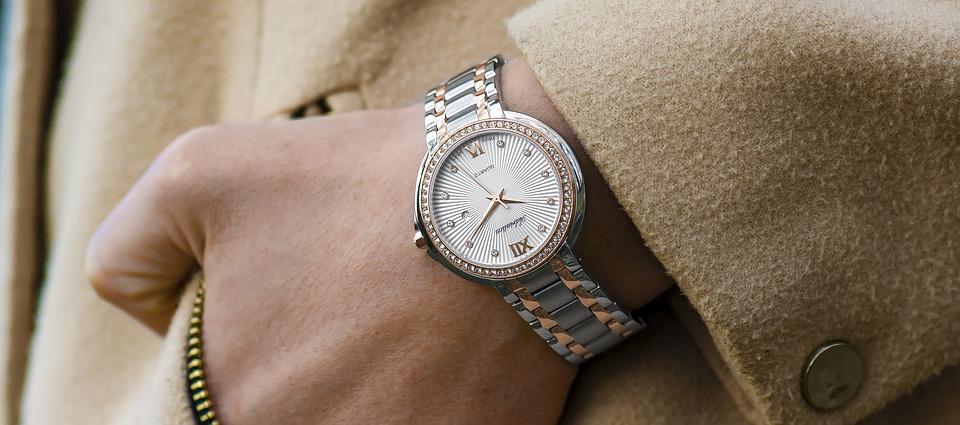 magazynkobiet.pl - wristwatch 1149669 960 720 - Zegarek zamiast biżuterii? Zobacz jak go dobrać do damskich stylizacji