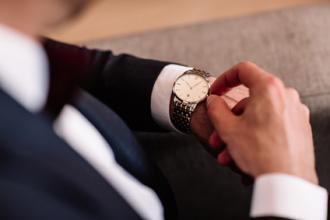 magazynkobiet.pl - fotolia 151256476 xs 330x220 - Nowoczesne zegarki w dobrym stylu