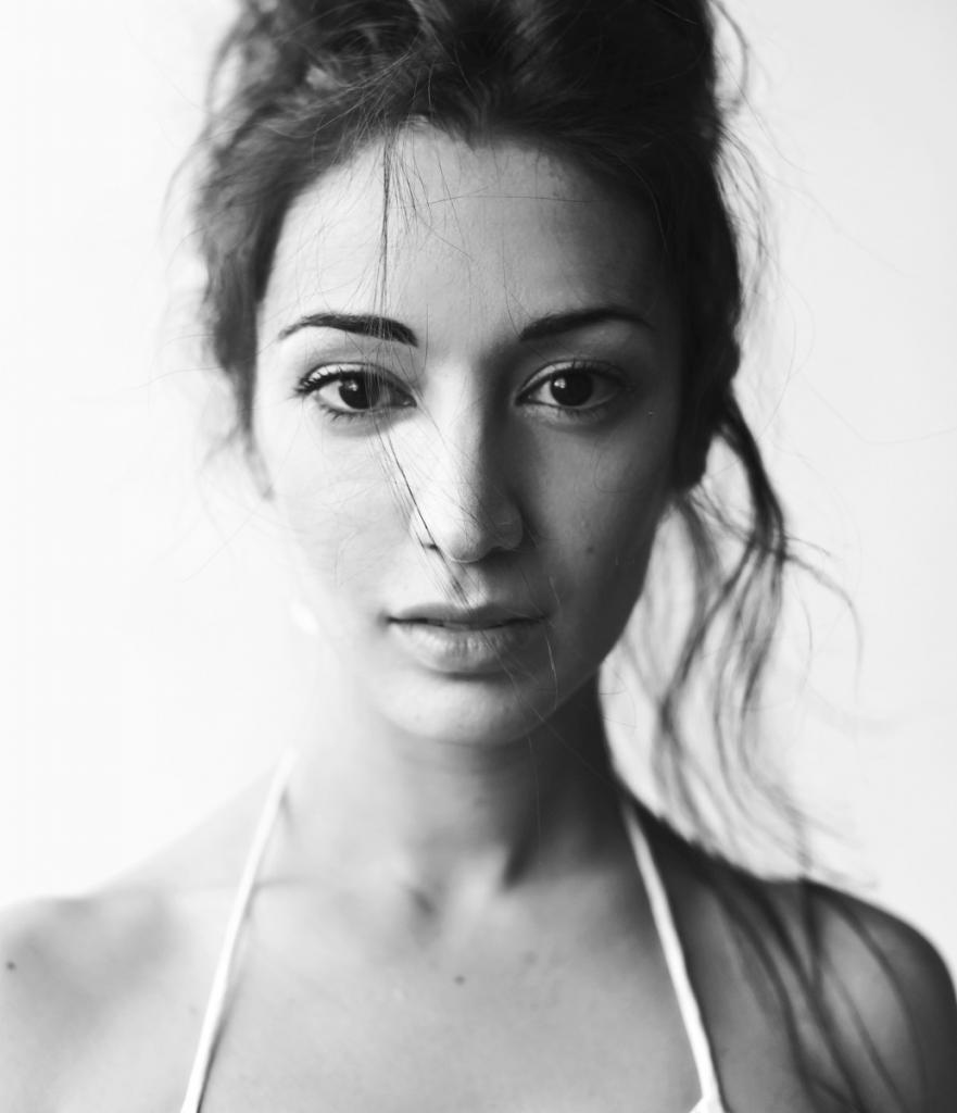 """magazynkobiet.pl - DSC 4941 881x1024 - Helena Ganjalyan """"Marzy mi się rola filmowa"""""""