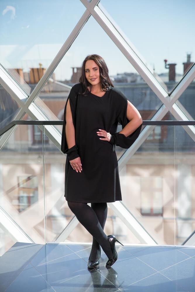 magazynkobiet.pl - pol pl czarna sukienka vienna plus size trapezowa 2273 2 - Eleganckie sukienki XXL - na każdą okazję