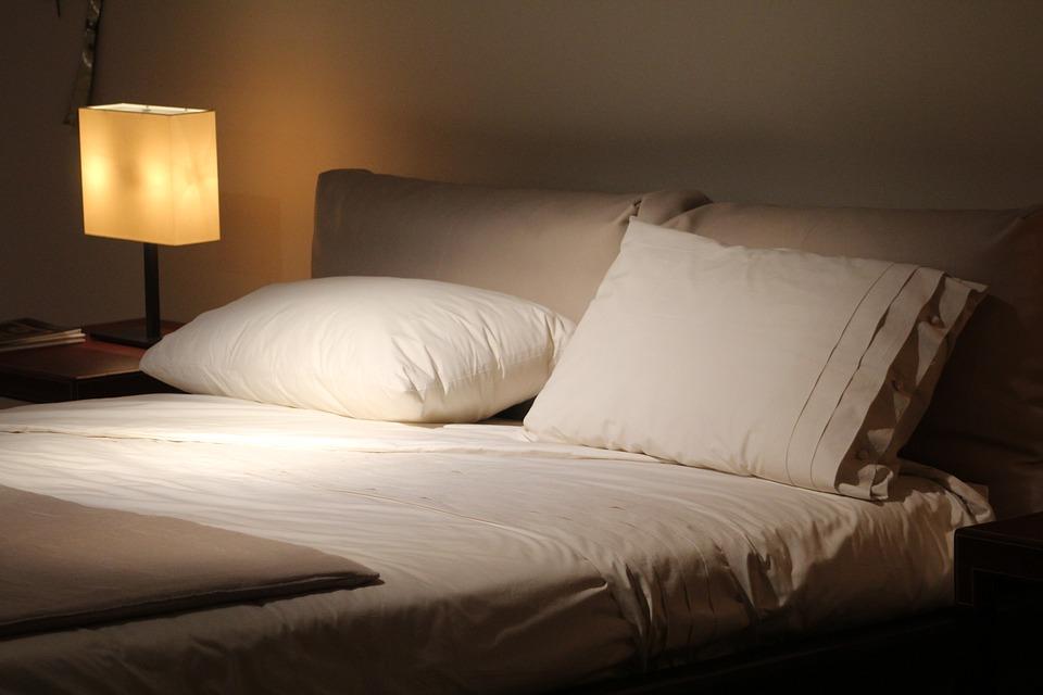magazynkobiet.pl - 154158307585113200 - Wygodne poduszki do spania - Jakie Wybrać?