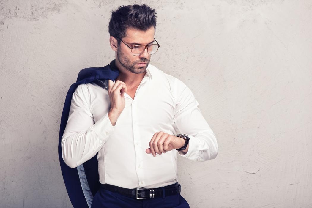 magazynkobiet.pl - adobestock 124144435 1050x700 - Stylowe zegarki na skórzanym pasku czy eleganckiej bransolecie? Porównujemy zegarki Atlantic