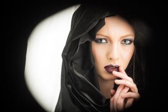 """Halloween – makijaż inspirowany """"Zakonnicą"""""""