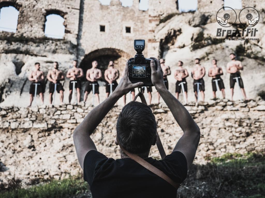 magazynkobiet.pl - fot. mat. prasowe Sesja na zamku w Ogrodzieńcu 2 1024x768 - Kobiecy biust, męska sprawa