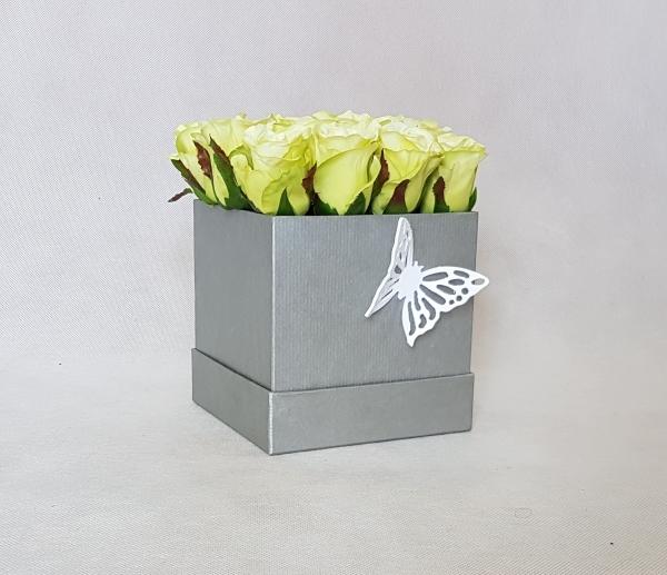 magazynkobiet.pl - kwiaty w pudelku roze - Jak wykorzystać kwiaty w pudełku – pomysły i inspiracje?