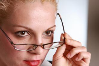 magazynkobiet.pl - twarz peeling 330x220 - Sposoby na piękną i gładką skórę twarzy