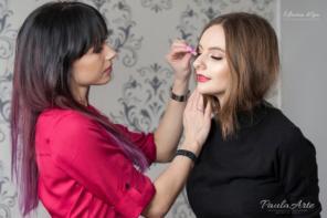 Nowy poziom w usługach stylizacji kobiecego spojrzenia
