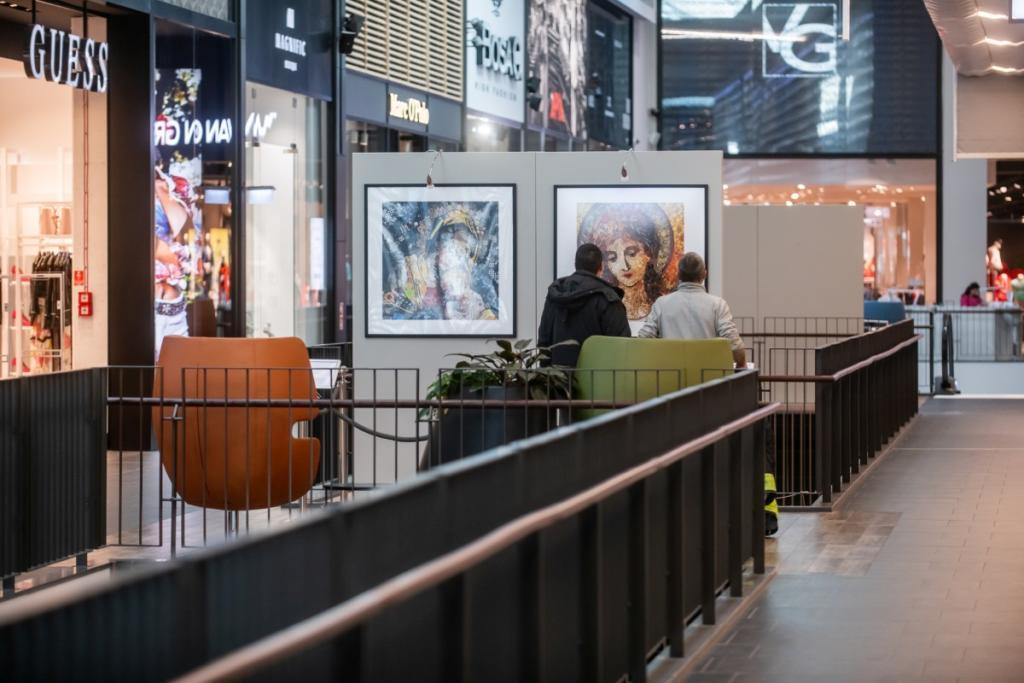 magazynkobiet.pl - Forum Gdańsk sztuka recyclingu według brytyjskiej artystki Jane Perkins 1024x683 - Sztuka recyklingu według Jane Perkins