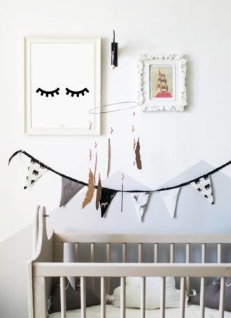 magazynkobiet.pl - Plakaty do pokoju dziecięcego które urozmaicą wnętrze foto 330x454 - Plakaty do pokoju dziecięcego, które urozmaicą wnętrze