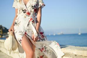 Sukienki w niezwykle wzory – na co zwrócić uwagę?