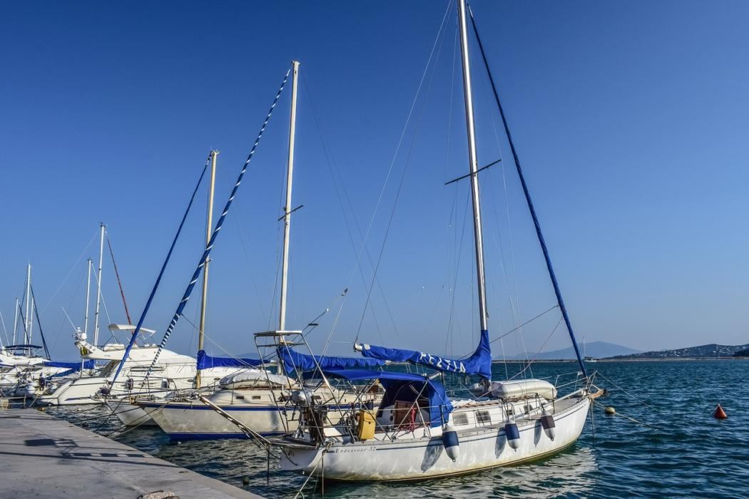 magazynkobiet.pl - boats 2829924 1280 1050x700 - Czarter jachtu – wyprawa marzeń dla miłośników wody