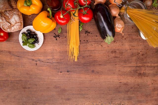 magazynkobiet.pl - mediterranean cuisine 2378758 640 - Zacznij jeść zdrowo — poznaj produkty, które odmienią Twoje życie