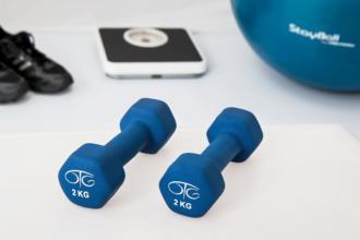magazynkobiet.pl - physiotherapy 595529 960 720 330x220 - Ćwiczenia w domu – o czym warto pamiętać?