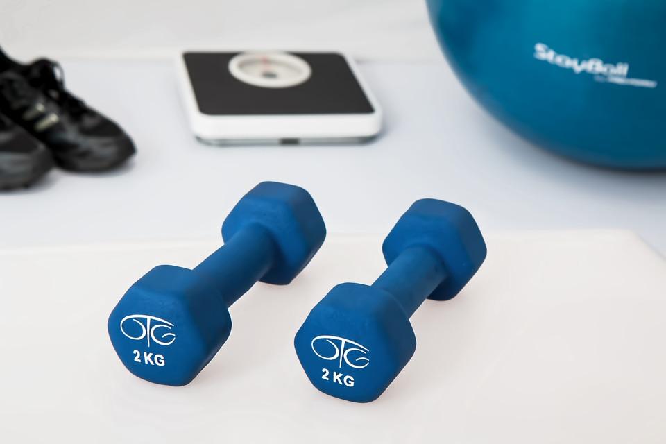 magazynkobiet.pl - physiotherapy 595529 960 720 - Ćwiczenia w domu – o czym warto pamiętać?