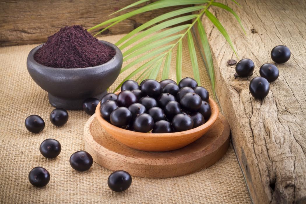 magazynkobiet.pl - adobestock 142658846 1 1050x700 - Jagody Acai: TOP-10 korzystnych właściwości owoców acai
