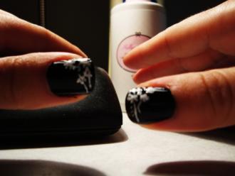 magazynkobiet.pl - d 330x248 - Nowoczesne lakiery dla eleganckich i kreatywnych kobiet