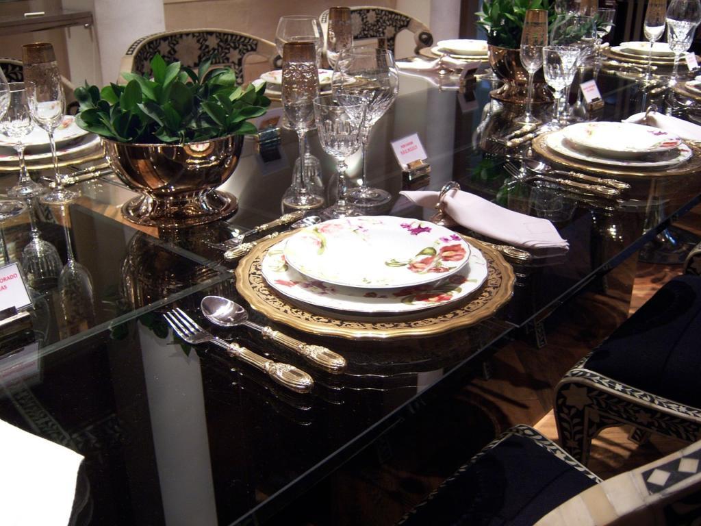 magazynkobiet.pl - dining table 263847 1280 1024x768 - Serwis obiadowy - na co zwrócić uwagę przy zakupie?